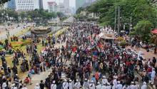 Demo Tolak Omnibus Law, Massa PA 212 Mulai Memadati Kawasan Patung Kuda