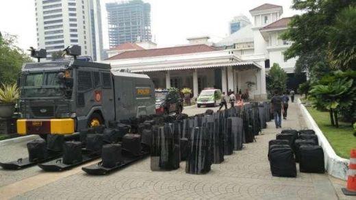 Abu Janda dan Dewi Tanjung CS akan Demo Balai Kota, Bang Japar Bikin Tandingan Kawal Anies