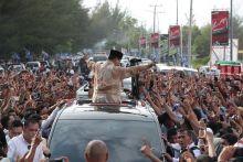 Prabowo Terharu Dapat Sumbangan Uang Kampanye dari Warga Bengkulu
