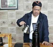 Diplomasi Kopi Ala Waketum Gelora, Fahri Hamzah