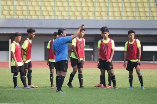 Timnas U 16 Indonesia Jajal SSB POR UNI Bandung di Uji Coba Perdana