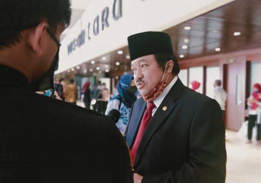 Idris Laena: Jaga Kesehatan dengan Selalu Pakai Masker
