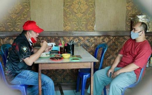 Curhat ke Ketua MPR, Pedagang Sate Kiloan di Sentul Mengaku Omzet Turun 50 Persen saat Pandemi