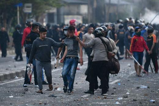 Polri Tangkap 806 Demonstran UU Cipta Kerja, 155 Orang Diantaranya Siswa SD