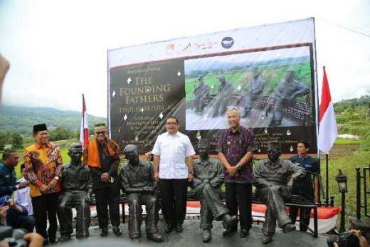 Resmikan Empat Patung Pendiri Republik di Sumbar, Fadli Zon: Satu Pesan Persatuan di Hari Kemerdekaan
