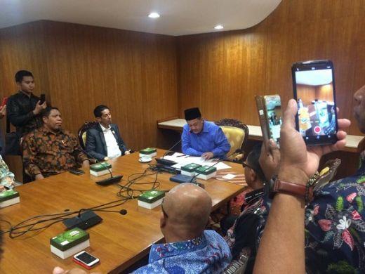 Mengadu ke Fahri Hamzah soal Seleksi CPNS di Maluku, Wakil Gubernur Kecewa dan Berlinang Air Mata