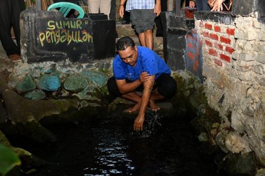 Nyobain Air 7 Sumur di Taman Wisata Cibulan, Gus Jazil: Kita Belajar dari Semangat Prabu Siliwangi