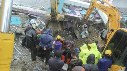 Bamsoet Ajak Pemerintah dan Masyarakat Bahu Membahu Atasi Bencana Alam