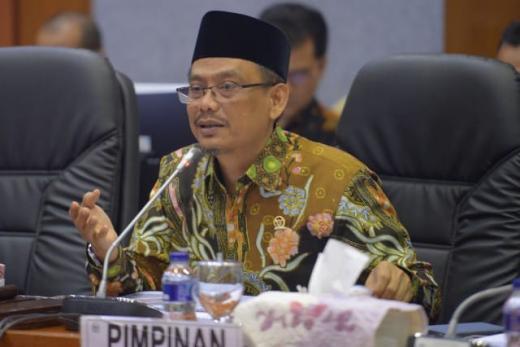 New Normal, Komisi X DPR Tagih Aturan Protokol Wisata