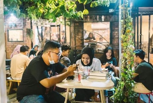 Bukan Cuma Sekedar Ngopi, Cobain Nongkrong Asik di Chinoss Coffeespace Pekanbaru