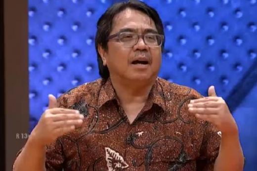 Tak Cuma Denny Siregar, Ade Armando Juga Kritik Jokowi Soal PPKM: Mohon Hentikan!