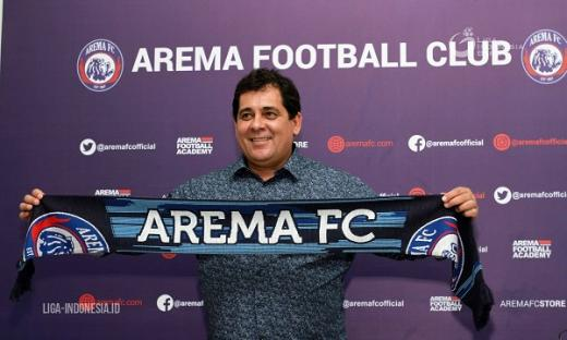 Aremania Bikin Carlos Oliveira Bergabung ke Arema FC