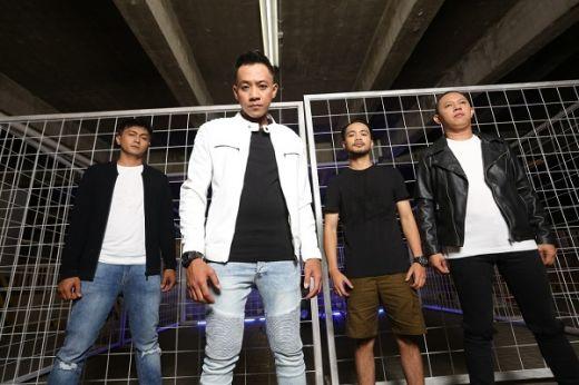 K13N Band Hadir Ditengah Band Besar Rontok
