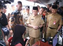 Layani Ganti Dokumen yang Rusak, Dukcapil Terjunkan 4 Tim Tanggap Bencana Banjir di Jateng dan Jatim