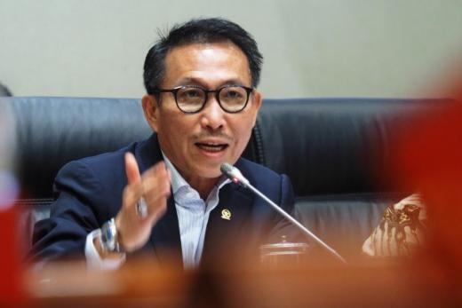 Komisi III DPR Desak Polri Segera Tetapkan Tersangka Kebakaran Kejagung
