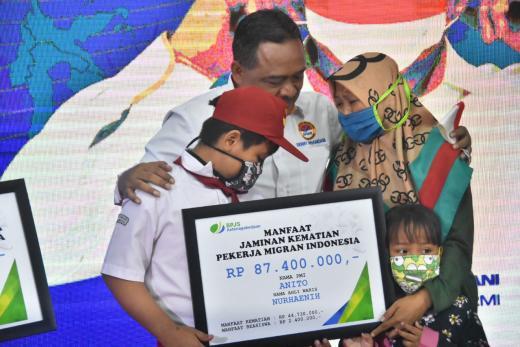 BP2MI Sematkan Duta Wisata Indonesia kepada PMI Sang Pahlawan Devisa