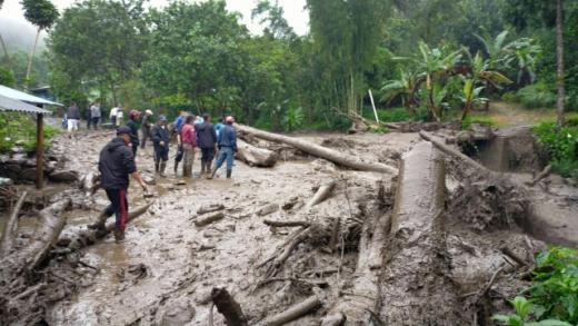 Banjir Bandang Terjang Kawasan Gunung Mas Puncak, 474 Warga Mengungsi