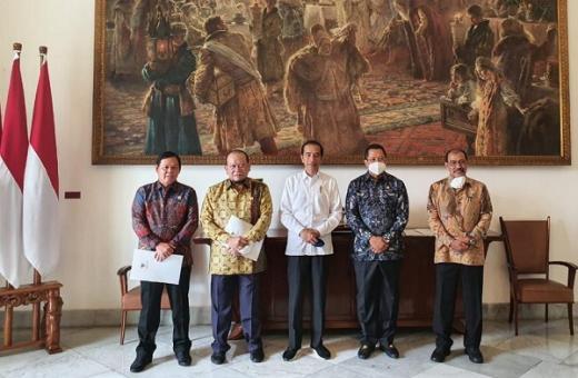 Bertemu Pimpinan DPD, Jokowi Setuju Perkuat Pendidikan Islam