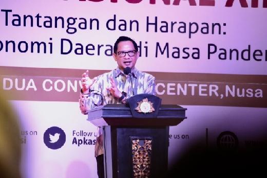 Mendagri ke Pemkab se-Indonesia: Tangani Pandemi, Tunjukan Leadership!