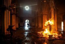 Demo Besar saat Pandemi Covid-19 di Chile, Gereja-Gereja Dibakar