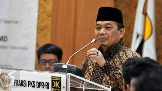 Kunjungi Lokasi Terdampak Gempa Maluku, Beberapa Legislator PKS Sumbang Gaji Pertama