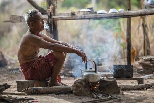 Minta Elite Tak Gaduh Soal Perpu, Pengamat: Rakyat Sedang Lapar, Bahas Nanti Kalau Corona Sudah Minggat!