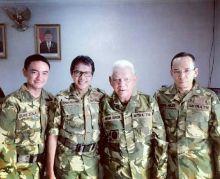 Latihan Perang Bersama PPRC TNI, Gubernur Zumi Paling Jago Nembak Lho...