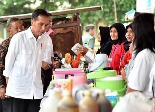 Pelaku Usaha Kecil Menjerit, Jokowi Minta Kepala Daerah Salurkan Dana UMKM