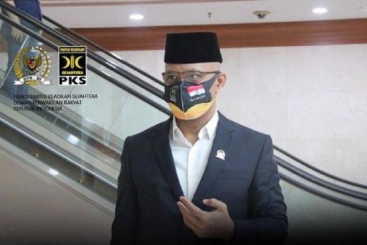 Satu Tahun Jokowi-Maruf; Gaduh, Gagap, Gagal