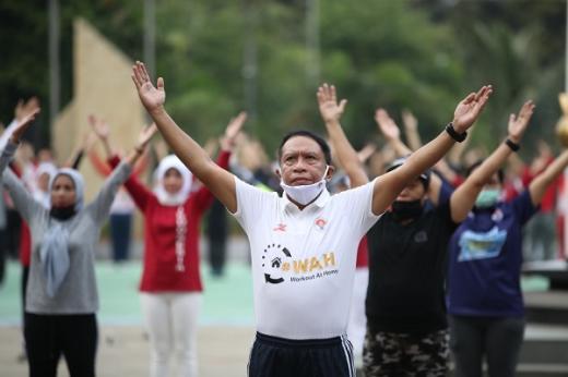 Menpora Ajak Masyarakat Aktif Olahraga Lewat WAH