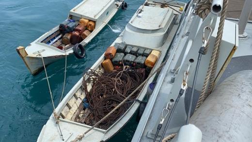 TNI AL Tangkap Lima Pencuri Gunakan Dua Speed Boat di Selat Singapura