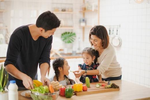 Ketua DPD RI: Keluarga Berperan Penting untuk Cegah Penularan Covid-19 ke Anak