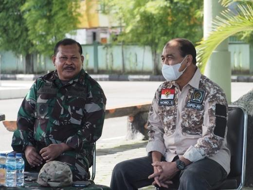 Tinjau Vaksinasi di Ambon, Nono Sampono Ajak Masyarakat Bersatu Tangani Pandemi Covid-19