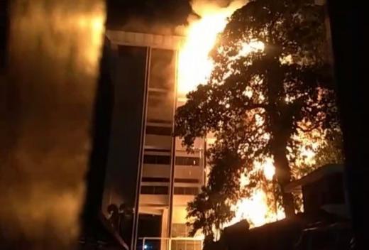 Breaking News: Gedung Kejagung RI Kebakaran