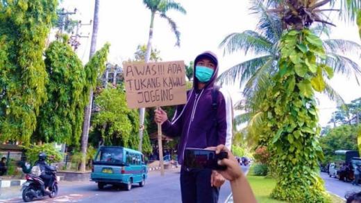 Bawa Poster Awas Tukang Kawal Jogging, Pelajar di Bali Ditangkap Polisi