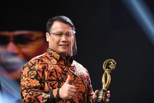 Tokoh Merah Raih Democracy Award, Basarah Siap Jembatani Nasionalis dan Muslim