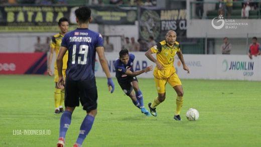 Hanif Tak Masalah Dipolt Bek Tengah Arema FC