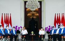 Ternyata Ini Makna Jaket Biru yang Dikenakan 6 Menteri Baru Jokowi