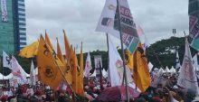 Wow... Bendera Golkar Berkibar di Kampanye Akbar Prabowo di Kampung JK
