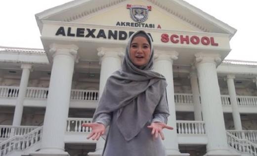 Cegah Penyebaran Covid-19, Alexandria Islamic School Terapkan Sistem Drive Thru saat Ambil Rapor
