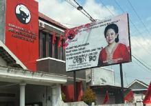 Baliho Puan Maharani di Kantor PDIP Blitar Diserang Vandalisme, Ada Tulisan Open BO