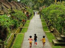 Baru 4 Desa yang Mendunia, DPR Desak Kemenpar Genjot Sektor Wisata Desa