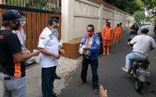 Salurkan Bantuan Buka Puasa, Komite II DPD RI Serukan Masyarakat Taat Aturan demi Cegah Corona