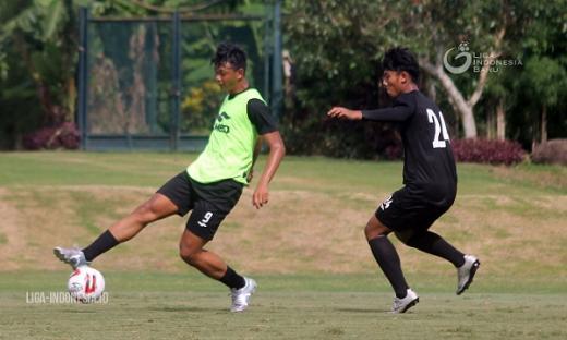 Dejan Antonic Siap Promosikan Pemain Muda PSS
