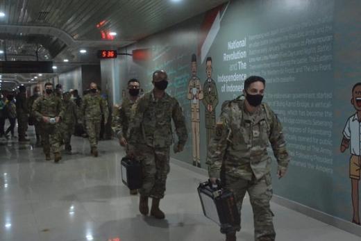 Jalani Pemeriksaan Prokes Covid, Ratusan Tentara Amerika Serikat Mendarat di Palembang
