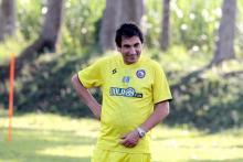 Pelatih Arema FC Memasak Dan Nonton Film Selama PPKM