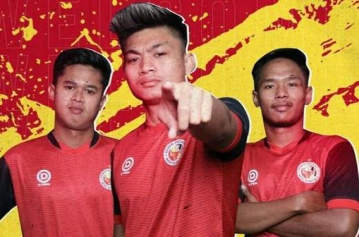 Dua Pemain Muda Semen Padang Pindah ke PSPS Riau