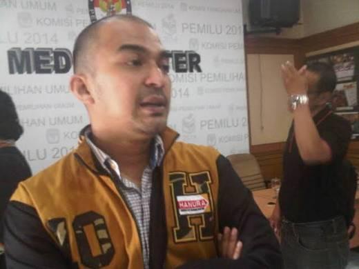 Diusulkan DPC Hanura Pekanbaru, Artis David Chalik Direstui DPP Untuk Melawan Firdaus di Pilkwako Pekanbaru