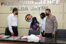 Amankan Mami yang Tawarkan Begituan ke Pengunjung Karaoke, Polisi Sita Barang Bukti Kondom hingga Celana Dalam