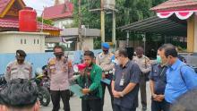 Sambangi PN Pekanbaru, BEM Umri Desak KPK Usut Dugaan Aliran Dana PT CGA ke Ketua DPRD Riau